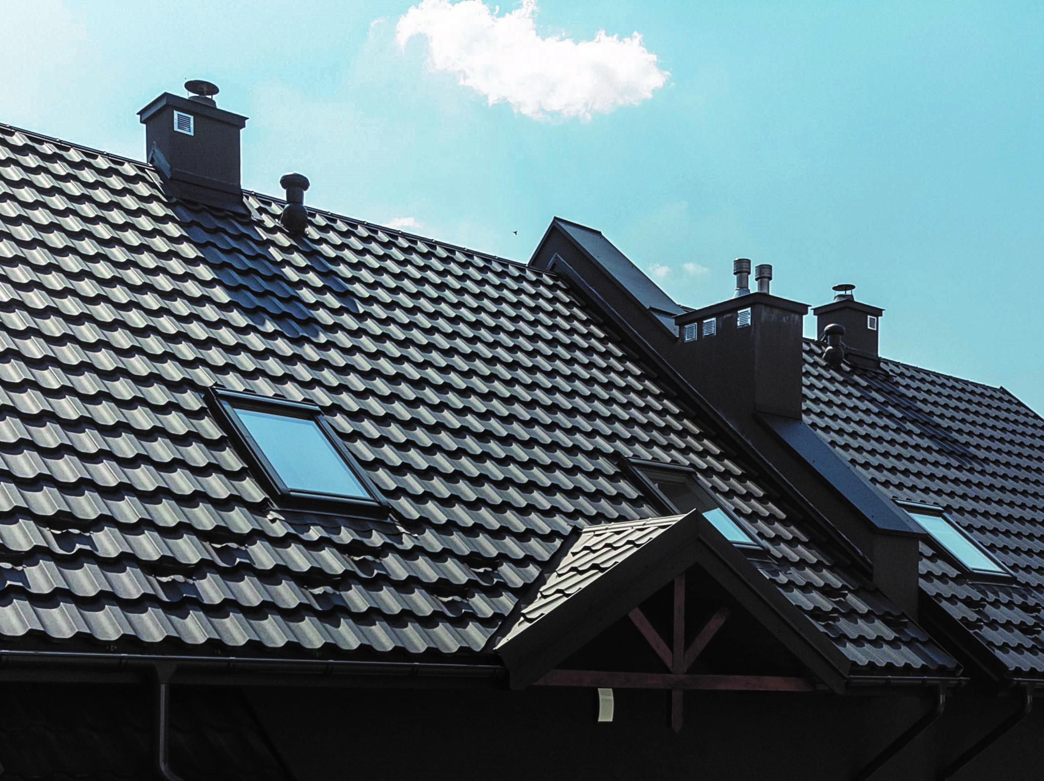 Szukasz pokrycia dachowego – tylko blachodachówki panelowe!