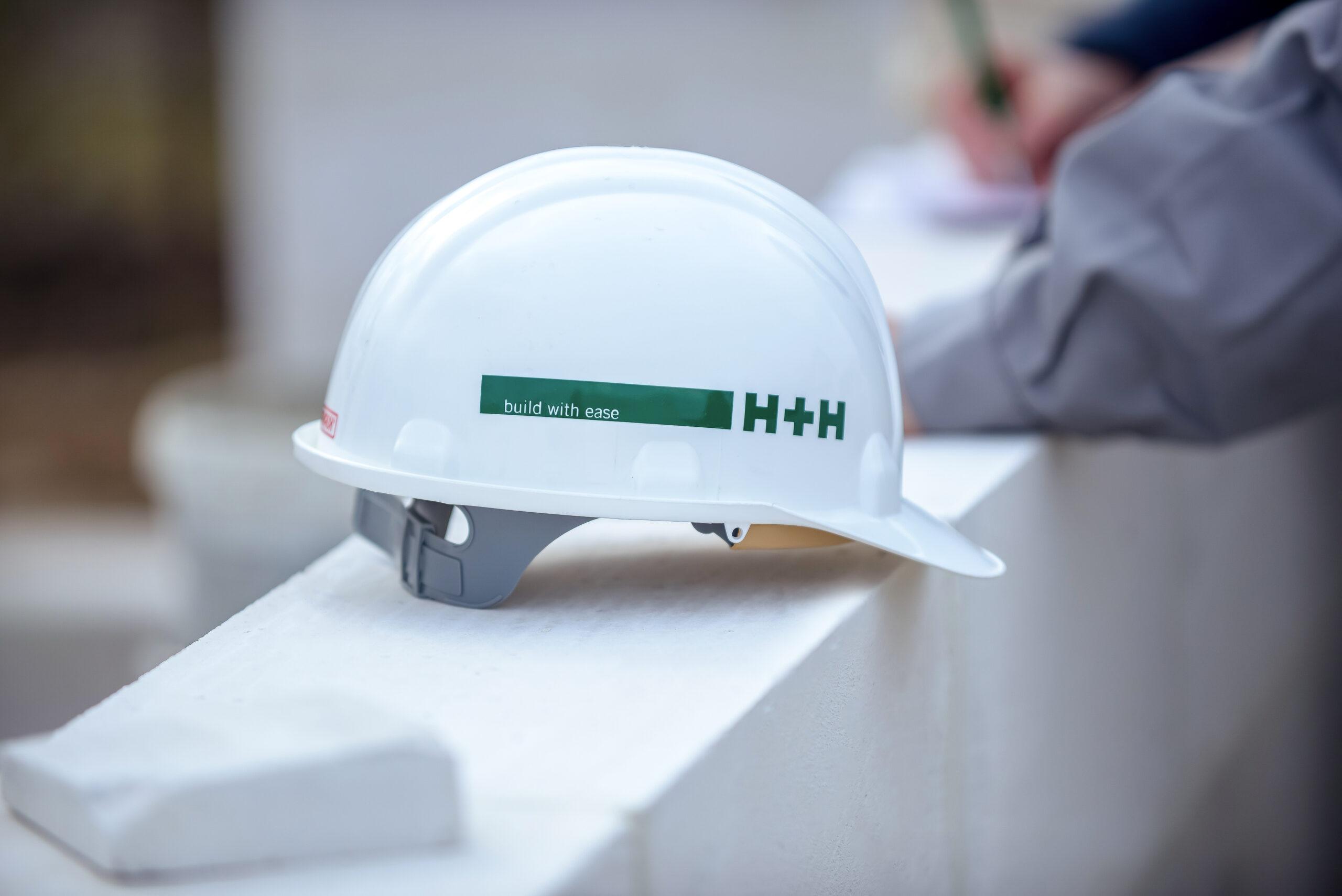 Jak poprawnie murować w Systemie Budowy H+H? Zasady budowy z betonu komórkowego i z silikatów.